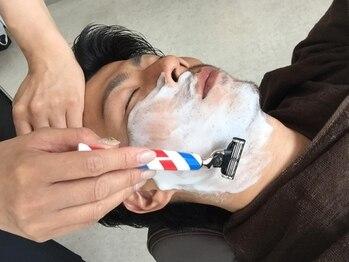 ヘアーズロロ(Hair's LORO)の写真/30~50代の大人の男性必見!身だしなみを整えることで清潔感UP★こだわりのシェービングを是非!