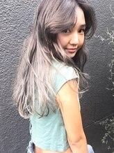 メロウ(MELLOW)【髪の赤みを消し去る】海外ブリーチハイライト×シルバーash