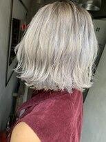 ジーナ(XENA)プラチナホワイトカラー