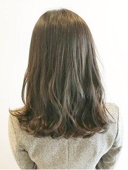 セラヴィ フー(C'EST LA VIE FUU)の写真/【カラーによるダメージを軽減!】トレンドをしっかり押さえつつ、あなたに似合わせた上品な髪色が叶う♪