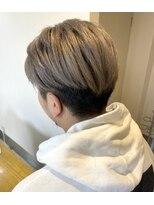 ヘアアンドメイクフリッシュ(HAIR&MAKE FRISCH)ホワイトベージュ