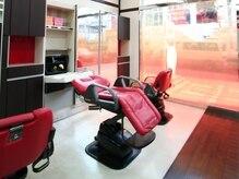 美容室 アップルズ 二俣川店(APPLE's)の雰囲気(お席移動なしで施術可能なオートシャンプー台)