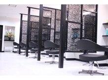 サロンドフィール(Salon de feel)の雰囲気(全席半個室でお客様にプライベートを守れて安心した空間♪)