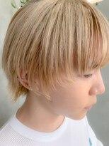 テトヘアー(teto hair)ホワイトブロンド、プラチナブロンド、マッシュウルフ