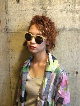ヘアーメイクデザインパフ(HairMakeDesign Paf)カラーゴムアレンジ