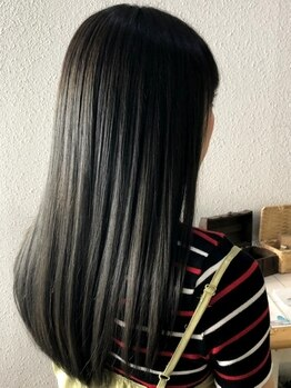ヘアアンドスペース ベロン(hair&space velon)の写真/【贅沢ケア*】お客様の9割がリピート!クセ毛対応トリートメントで、指通りなめらかなストレートヘアに♪