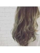 シャインヘア モカ 新宿(Shine hair mocha)イルミナカラー 3Dカラー ジグザグバング ミニマムボブ_新宿 k