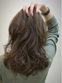 ロジーフォーヘアー(LOZY for hair)の写真/『イルミナカラー』が新登場★計算し尽くされた施術で、肌まで透明感がUPするような絶品カラー技術に定評!