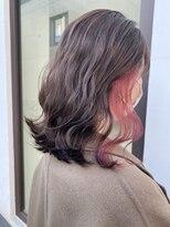 ○春カラーのピンクベージュ インナーカラー○イヤリングカラー