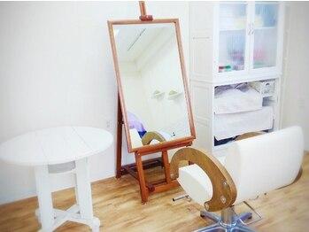 リサリサ(Risa Risa)の写真/大型サロンで代わる代わる施術されるのが苦手…な方におすすめです♪プライベート空間で過ごすサロンタイム