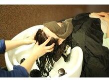 オーガニックカラーが得意なサロン★自然界由来成分93%配合のカラーで髪や頭皮に優しい施術♪