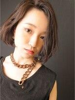 ブロック(bloc)暗髪☆艶髪☆ゆるいハーフカールのモードボブ