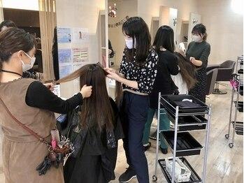 ビークール 岩沼店(Be-COOL)の写真/同じ女性だからこそ共感できる♪日常での髪の悩みも一緒の目線で考え、親身に提案・アドバイスしてくれる☆