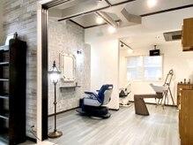 サロン クィ ベルジョーネ(SALON QUI BELLGIONE)の雰囲気(理容室はイタリアの都会ミラノをイメージ。半個室がございます。)