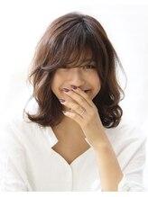 顔型に似合わせて「可愛い・キレイ」を創ります。色んなSceneやジャンルに合わせた髪型にチェンジ。