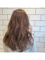 アルマヘアー(Alma hair by murasaki)ハイライトたっぷりのピンクベージュ