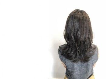 アヤナ バイ アヤラ(ayana by ayala)の写真/染めるたびに新しいカラーで憂鬱な白髪もアップデート☆色持ちの良い理想のカラーが叶う!