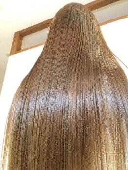 ルネッタ (Lunetta)の写真/特殊なアイロン技法で、髪の中に水分を閉じ込める♪髪の芯から潤って、瑞々しさとハリがUP!!