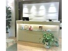 ルシード スタイル レクラ 栄生店(L'UCIDO STYLE L'eclat)の雰囲気(★こんな明るい店内で、お客さまと共に楽しむ空間づくりを!)
