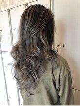 """欧米人みたいなふんわりした髪色、圧倒的な透明感!自由なカラーデザインを楽しめる""""アディクシーカラー"""""""
