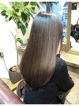 驚異の髪質改善!カラーやパーマで細くなって絡む毛先も戻せるtokio(トキオ)aujua(オージュア)毛髪強化