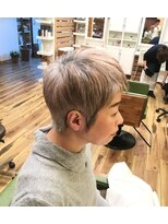 白髪を活かしたシルバーグレイ