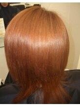 縮毛矯正専門店 ヘアブロンズ(hair Bronze)レッド系ハイトーンのウルフスタイル