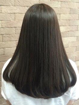 アリレイナ 横須賀中央店(ARIREINA)の写真/施術はこだわりのふかふかベッドの上♪極上リラクゼーションを堪能しながら髪と地肌が喜ぶ贅沢スパコース!