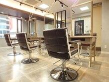 トランクヘアデザイン 大宮(TRUNK hair design)の雰囲気(落ち着いた店内は、居心地が良く、誰かに紹介したくなる♪)