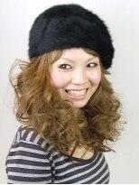 ヘアードレッサーズ ティース(Hair dressers T's)ベレー帽と相性◎アイロンで作るボリューミーヘア