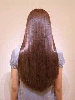 バニラ 大宮店(VANILLA)の写真/髪質改善するトリートメント成分が配合された縮毛矯正とストレートで生まれつきの直毛のような仕上がりに♪