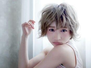 シュシュサロンドクワフュール(chouchou Salon de coiffure)の写真/艶感、なめらかさ、色味に妥協なし!肌色や瞳の色、1人1人の雰囲気に合わせたあなただけの似合わせカラー♪