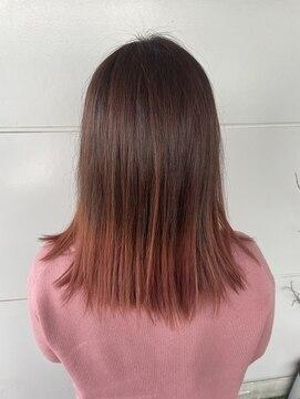 ヘアアンドメイク ムーア(Muuua)ピンク系カラー