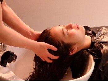 シーズヘアー(Sy's hair)の写真/【贅沢Wケアコース】癒しの20分間。ヘッドSPA+トリートメントのWコースで髪を芯から美しく、整えてくれる