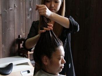 ストリクトリーキュア(Strictly CURE)の写真/お疲れの頭皮と髪に癒しを…♪ヘッドスパで日々のストレス解消◎極上のリラックスtimeをお過ごし下さい!!