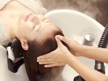 シュリープ 明成店(shleep)の写真/《shleep》自慢のヘッドスパ!血行を促進し、マッサージで髪にボリュームとハリ・ツヤ・コシを与えます。