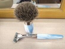 いじま理容館の雰囲気(顔そりブラシはアナグマ毛を使いシッククアトロで仕上げます。)
