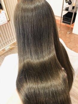キャパ セントラル 天神 大名店(CAPA central)の写真/傷んだ髪の救世主!豊富な種類の中から最適なトリートメントを選びます★艶髪を創り出すダメージレスサロン
