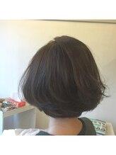 カタチヘアー(HAIR)少しオトナ。。。夏。。。浮遊感。。。ボブのカタチ。。。。。