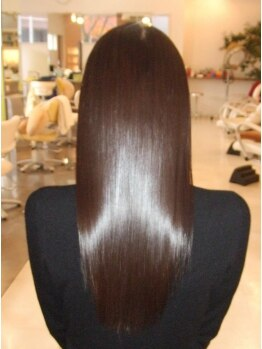 ティオン(TION)の写真/超高級【M3Dピコトリートメント】でハリ・コシのあるツヤ髪が実現!芯から潤うしなやかな仕上がりに♪