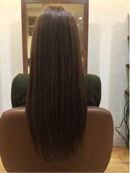 ヘアカット ツインクル(hair cut twinkle)の写真/髪に優しい薬剤で傷まないサラサラヘアーに♪要望に合わせて、まっすぐ過ぎないナチュラルなスタイルに♪