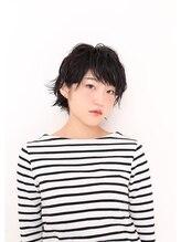 イチア(ichia)小顔に見える黒髪クールショート