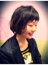 ロジヘアー(loji hair)ふんわりパーマ×刈上げスタイル