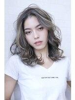 アルマヘア(Alma hair)ホワイトアッシュハイライトカラー&ローライト☆エアリーミディ