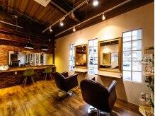 ブルックリン ヘア スタジオ(BROOKLYN HAIR STUDIO)の雰囲気(あたたかみがあり落ち着ける空間です♪)
