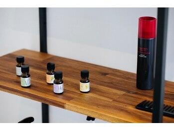 アトリエ オーツー(atelier O+O)の写真/【ボタニエンススカルプスパ】アロマオイルの香りと植物由来のヘアケア成分で極上のリラックスタイムへ♪