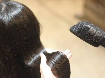 """ヘアーズファクトリー トロンコ(hair's factory tronco)の写真/【毎日触れる髪が""""よりキレイ×好き""""に変わる♪】 美しいシルエットは健康的な髪でワンランク上のStyleに♪"""