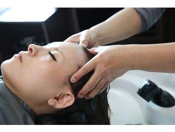 ヘアーメイクリベルテ(Hair Make Liberte)の写真/癒しの【炭酸スパ付クーポン】多数◎頭皮や髪の汚れを落としながら疲労改善♪低価格で通いやすいのも魅力!