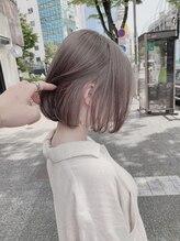 ベレーザ 渋谷(BELEZA)透明感小顔ミルクティーベージュマニッシュショートボブ