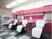 美容室 サブリナフェア 石岡店の雰囲気(広々としたシャンプー台でおくつろぎください☆)